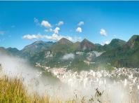 O outono mais frio do Brasil: clima europeu, aconchego e alta gastronomia entre as montanhas.